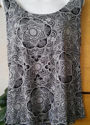 Черно-белая блуза-футболка