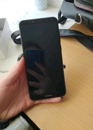 Huawei Y6 2018 року з хорошим торгом