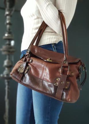 Innue. сумка из натуральной кожи.