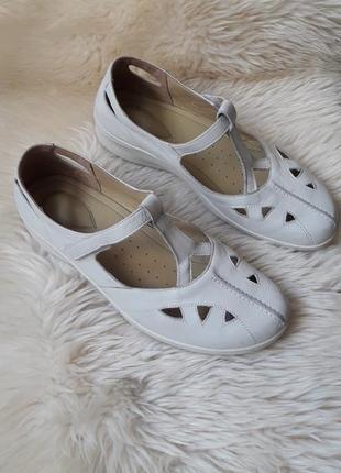 Кожаные туфли на липучке hotter 41-42 размер