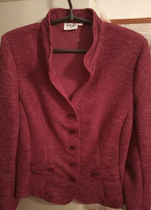 Пиджак суперстильный,новый,бренд.