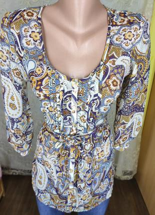 Яркая легкая блуза