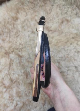 Черный узкий ремень пояс под рептилию с золотистой пряжкой