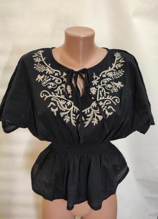 Красивая легкая блуза с вышивкой