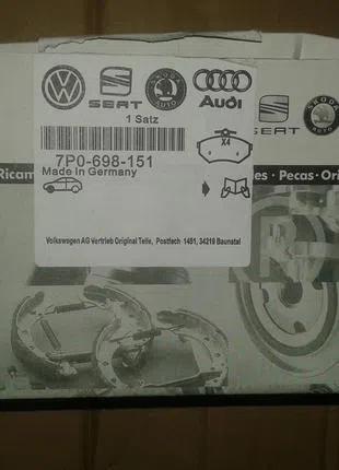 VW Touareg передние тормозные колодки