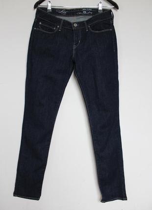 Levis скини джинсы женские зауженные
