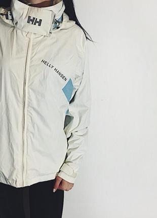 Женская куртка helly hansen hellytech