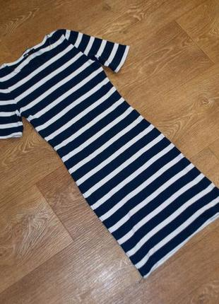 Плотное платье с коротким рукавом oodji
