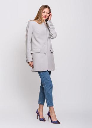 Стильное женское весенее серое пальто пиджак в клетку демисезон