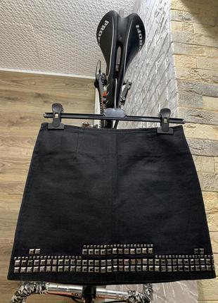 Юбка чёрная плотный коттон с заклёпками