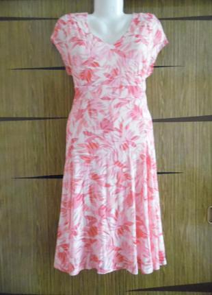 Платье трикотаж новое classic размер 16(44) – идет 50-50+.