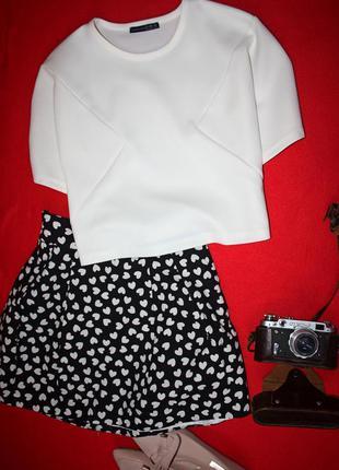 Белая укороченная блузка, футболка