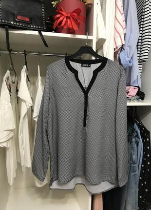 Легкая свободного кроя блуза janina