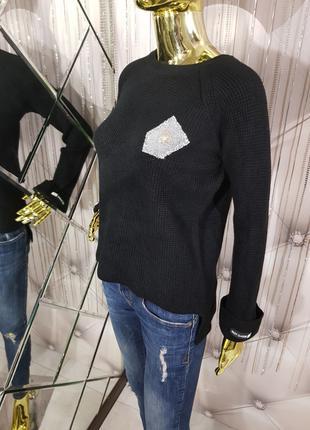 Черный свитер с декором 1111
