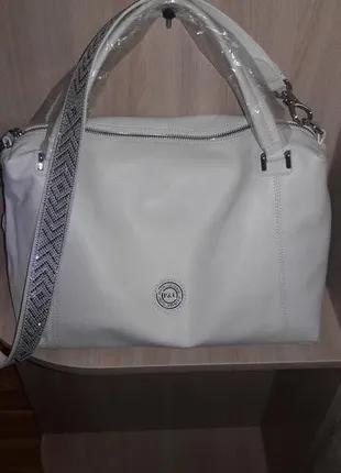 Сумка натуральная кожа,  фирменная сумка сумочка белая.