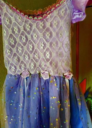 Красивое праздничное платье на девочку 3-4 года