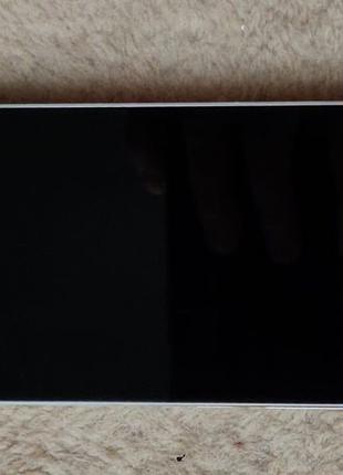 Продам Xiaomi Mi 5 3/32Gb White