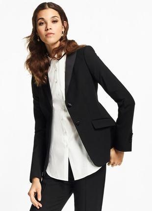 Черный пиджак с атласной отделкой. блейзер. жакет