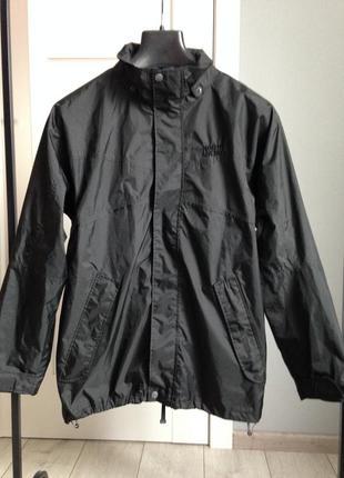 Куртка ветровка в состоянии новой