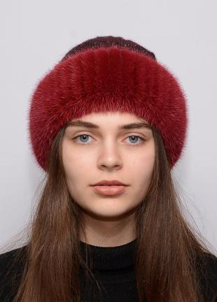 Женская вязанная шапка с бубоном из норки ажур красный