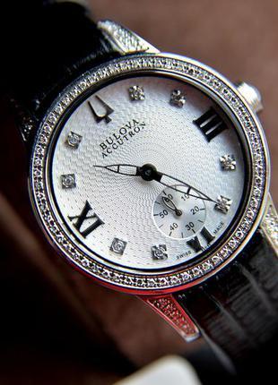 Шикарные швейцарские женские часы с бриллиантами 88 шт. bulova...