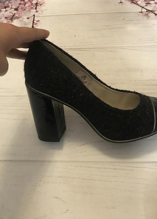 Туфли шикарные толстый каблук clark's