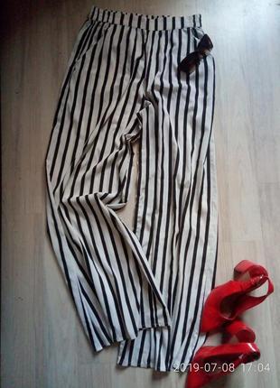 Актуальные брюки кюлоты в полоску