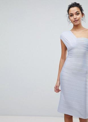 Платье на одно плечо asos. платье открытые плечи