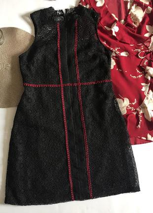 Платье чёрное в цветочный принт