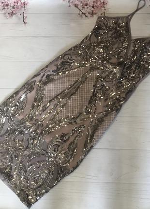Платье с паетками модное красивое