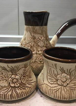 Турка (глиняная)с двумя чашками
