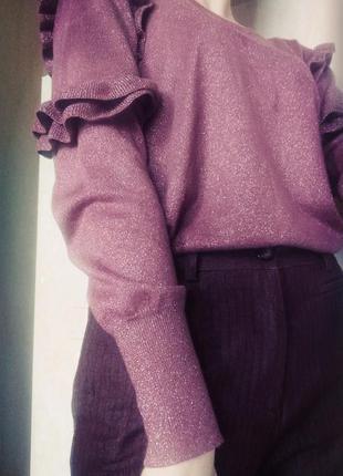 Моднющая кофточка с рюшами и вырезом на спине от george