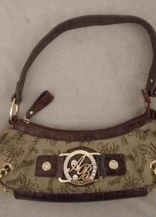 Маленькая сумочка брендовая