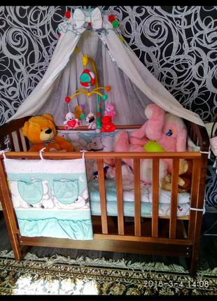 Защита на детскую кроватку,балдахин, постельное белье