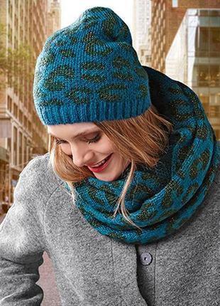 Вязаный комплект шапка, шарф-хомут леопардовый принт tcm tchibo