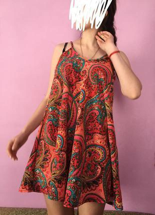 Красивое яркое платье летнее