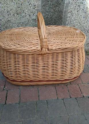 Корзина плетеная из лозы новая  для пикника с крышкой