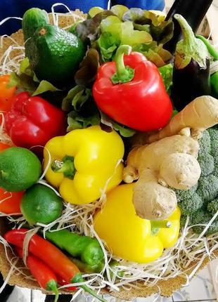 Съедобный букет из фруктов, овощей, микс