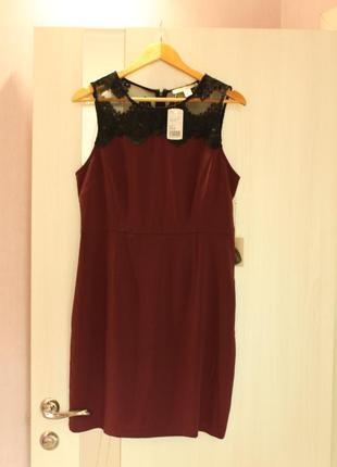Платье бордо с черным кружевом