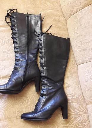 Кожаные сапоги на шнуровке и змейке