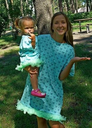 Платья-туники с перьями для мамы и дочки. family look. одинако...