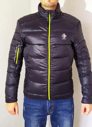 Легкая мужская куртка hyc. пуховик.