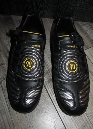 Оригинальные кроссовки сороконожки nike total 90  р. 10,5 - 29см