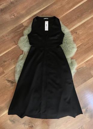 Платье тонкий неопрен с вырезами по бокам gina tricot, новое!