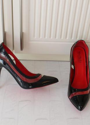 Черные туфли. лодочки на шпильке 36, 39 размера
