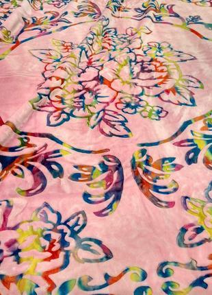 Покрывало одеяло плотное розового цвета