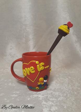 """Чашка """"Love is..."""" с ложкой"""