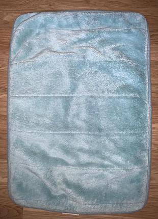 Пушистый коврик
