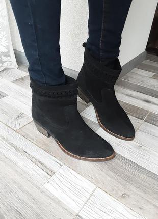 Стильные ботинки-казаки piure 39. замша. италия