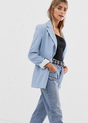 Трендовый пиджак нежно-голубого цвета
